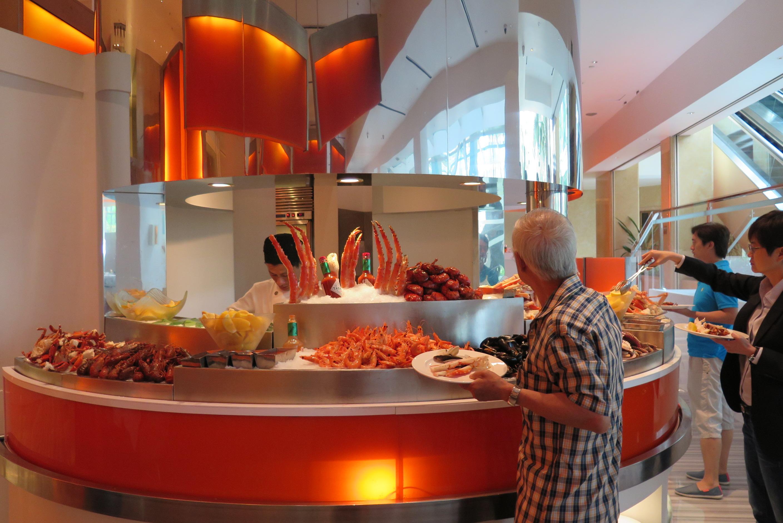 Terrific The Line At Shangri La Hotel Singapore New Sunday Beutiful Home Inspiration Papxelindsey Bellcom