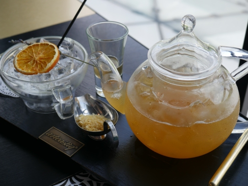 Frizzy Earl Grey Honey Tea ($11)