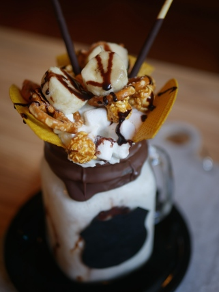 Over The Top Milkshake - Banana Popcorn ($16)