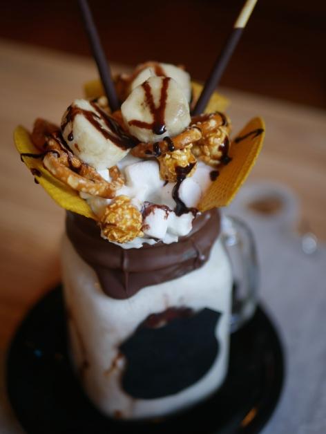Over The Top Milkshake - Banana Popcorn ($16)