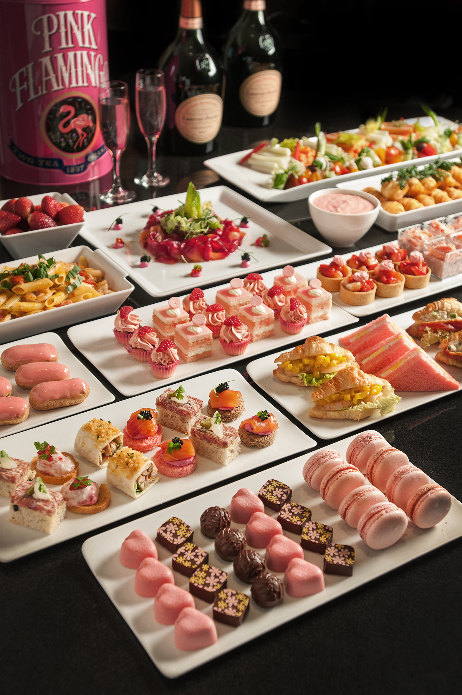 close-up-lespresso-english-afternoon-tea-with-pink-treats-1-to-31-october-2016