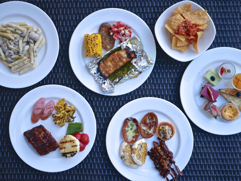 Cocobolo Poolside Bar Grill Fires Up Its Weekend Barbecue Buffet
