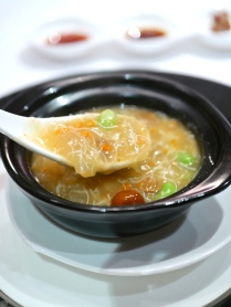 Braised Bird's Nest, Hairy Crab Meat and Roe