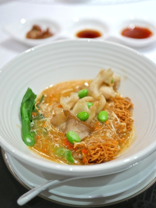Crispy Noodles with Sea Caracol, Hairy Crab Meat and Roe