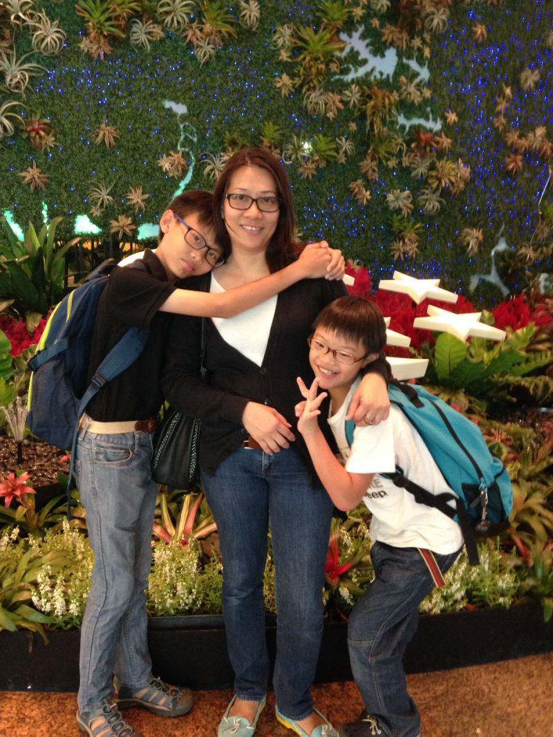si-jun-and-family