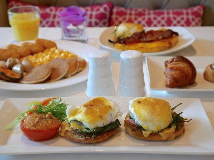 Mercure Singapore Bugis - The Privilege Lounge Breakfast
