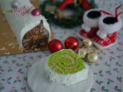Ondeh Ondeh Christmas Logcake