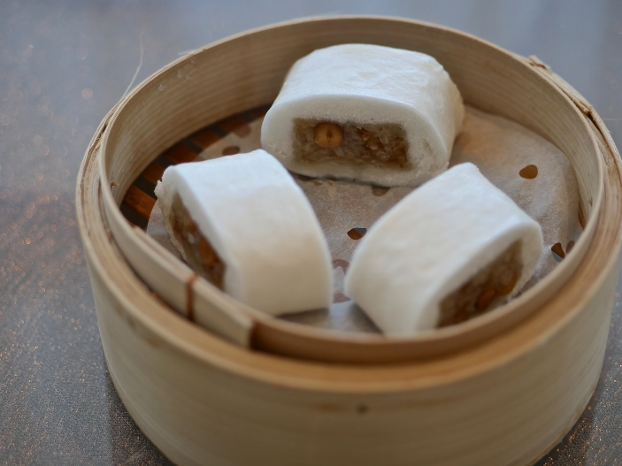 Steamed Glutinous Rice Roll in Teowchew Style ($5.40)