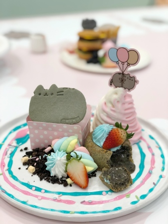 Pusheen-In-A-Box Cookie And Cream Lava Cake ($16.90)