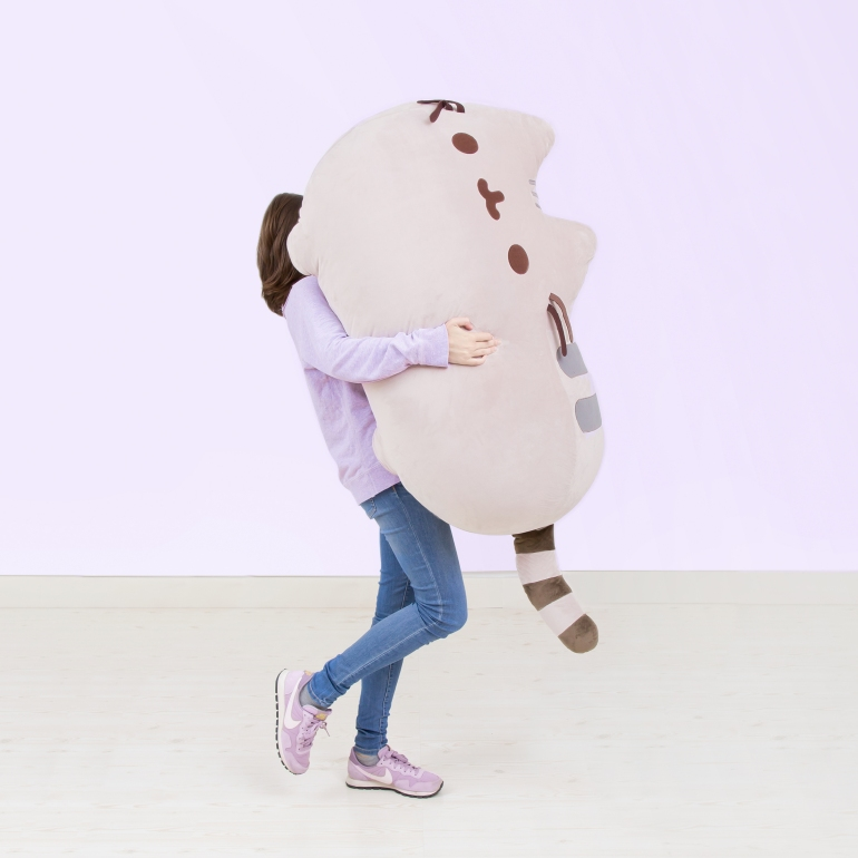 pusheen_giant_plush