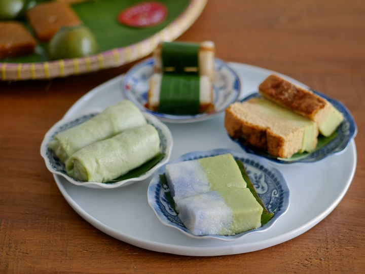 Traditional Kueh and Cakes by OLLELLA x Ah Ma Homemade Cake